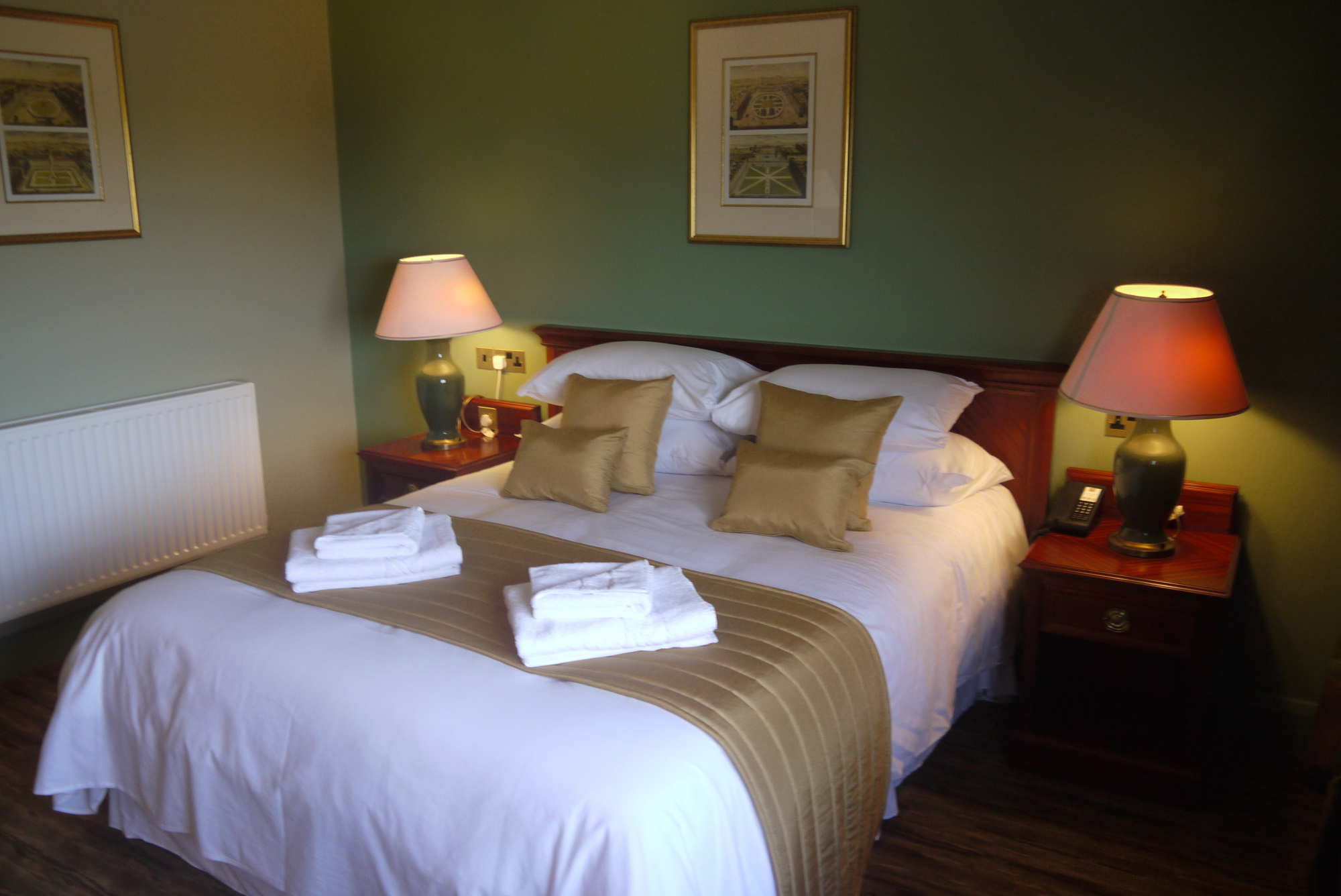 Hotels near Salisbury - The Stones Hotel