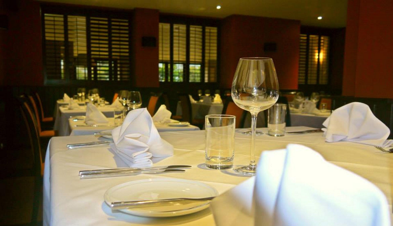 Restaurants in Salisbury - The Stones Hotel - salisbury restaurants